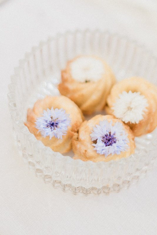 2019 wedding trend | The Patisseria by MonAnnie Cakes and Alexandra Rose Weddings - Photo by Cristina Ilao Photography