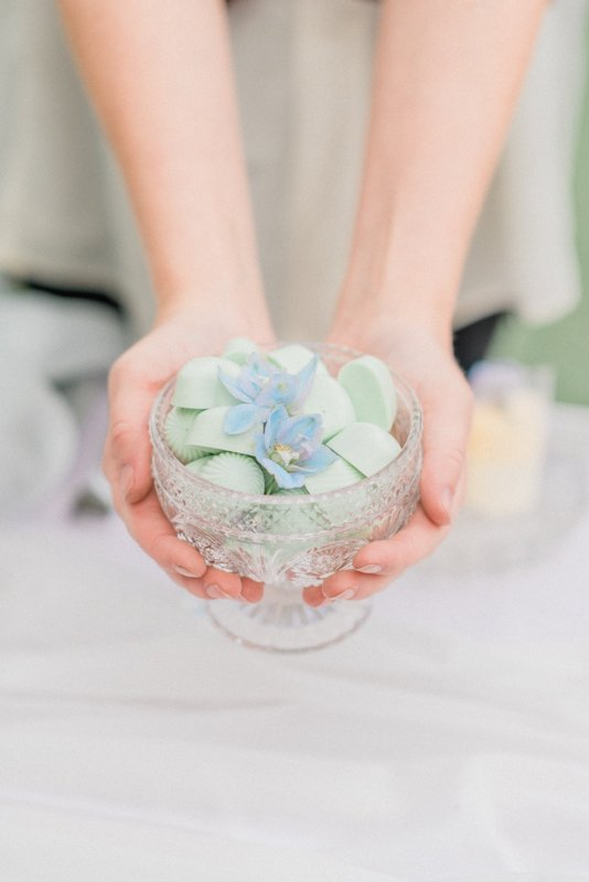 2019 Wedding Trend Luxury Patisserie Table: The Patisseria by MonAnnie Cakes and Alexandra Rose Weddings. A branding shoot at the Belmond Le Manoir Au Quat Saisons by Filipina fine art destination wedding photographer Cristina Ilao Photography | In Photo: Mint green heart-shaped white chocolate
