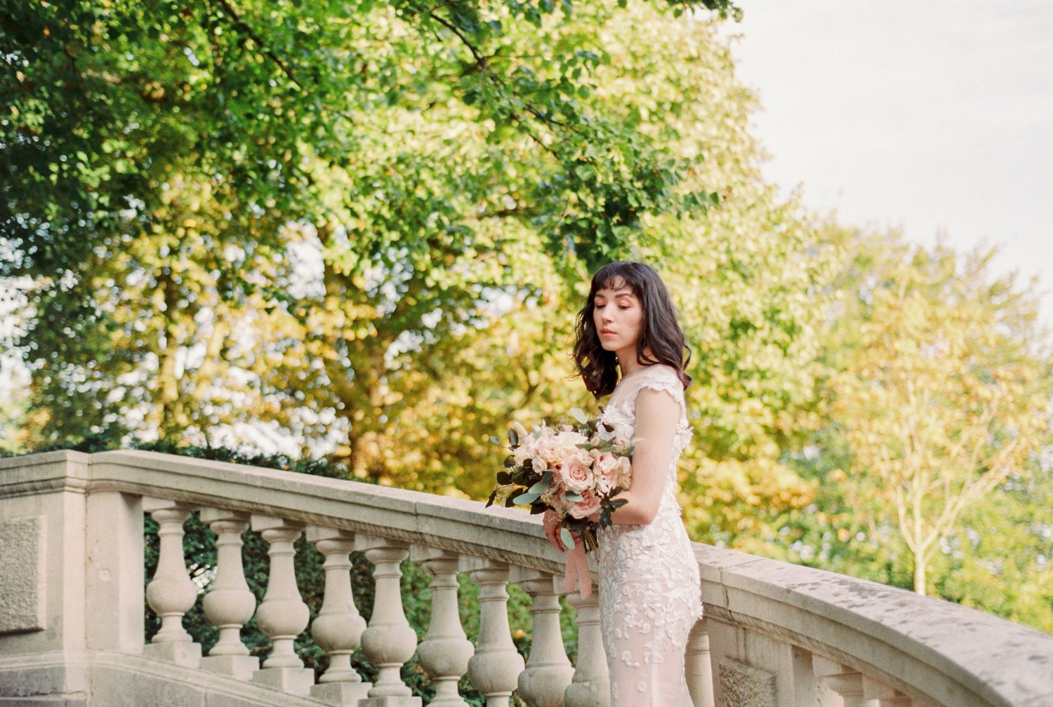 wedding inspiration at the grand stairs of  Park Clingendael in the Hague Netherlands