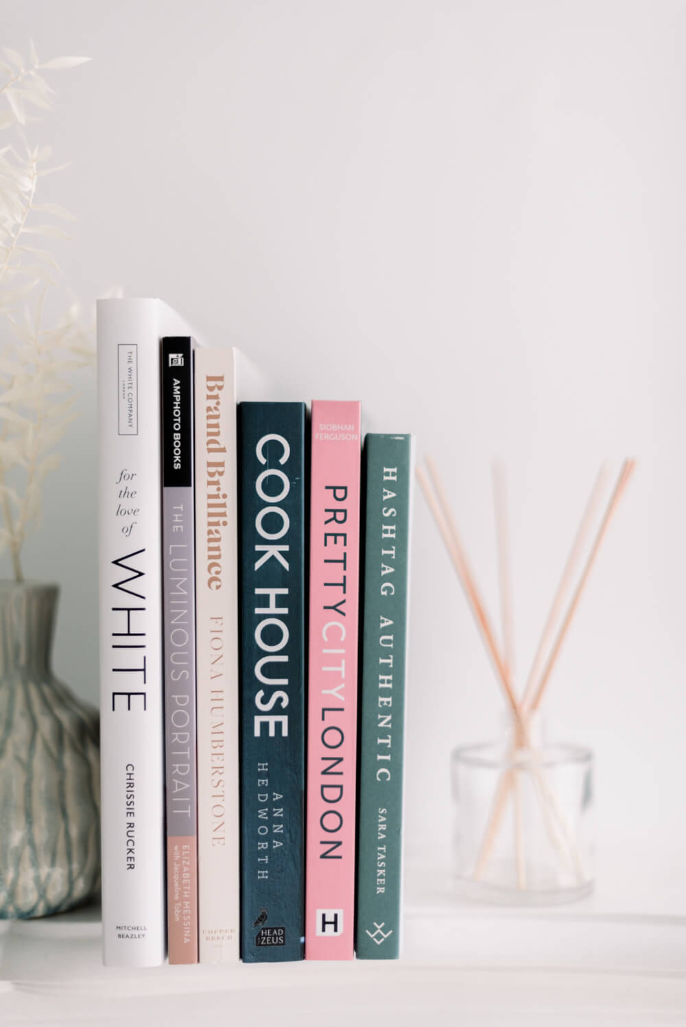 Best Reads: The story of Anne Frank (Anne Frank Museum), Hashtag Authentic (Sara Tasker), Pretty City London (Siobhan Ferguson), Brand Brilliance (Fiona Humberstone), The Luminous Portrait (Elizabeth Messina), For the Love of White (Chrissie Rucker)