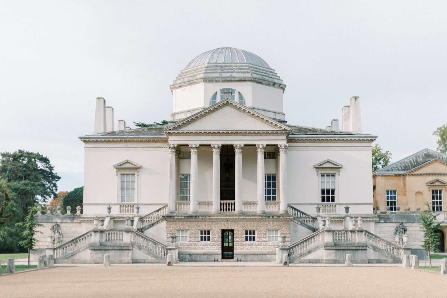 Wedding Photography FAQs In photo: Chiswick House - one of the best London Wedding Venues for Intimate Weddings. Photo by Cristina Ilao Photography